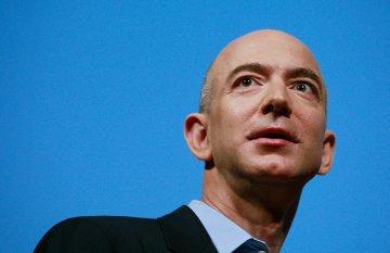 Ông chủ Amazon giàu thế nào từ việc bán sách qua mạng